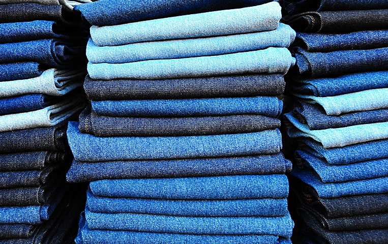 Huge selection of all kinds of jeans